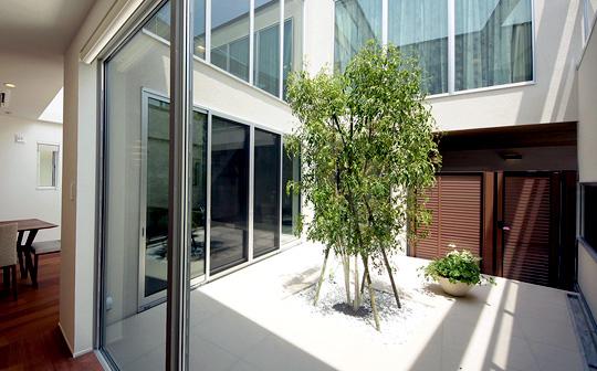 【中庭を作る】部屋を明るくする方法