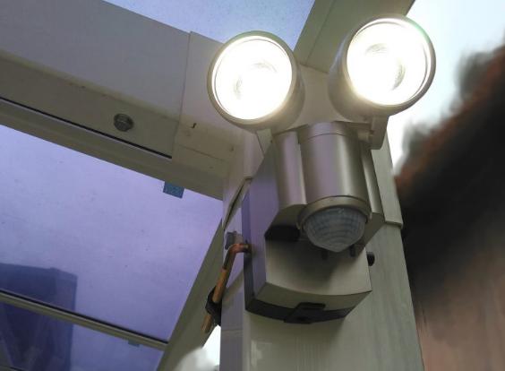 【人感センサー付き照明】おすすめのオプション設備