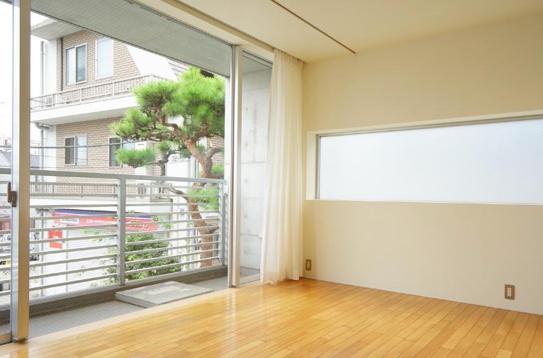【窓を大きく】部屋を明るくする方法