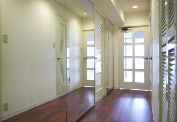 【鏡を使う】部屋を明るくする方法