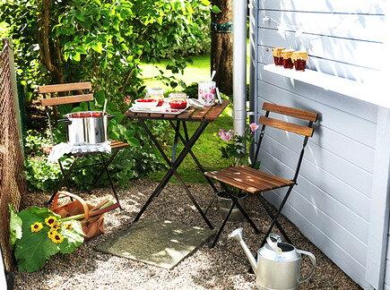 IKEA 屋外用デーブルとチェア バルコニーインテリア