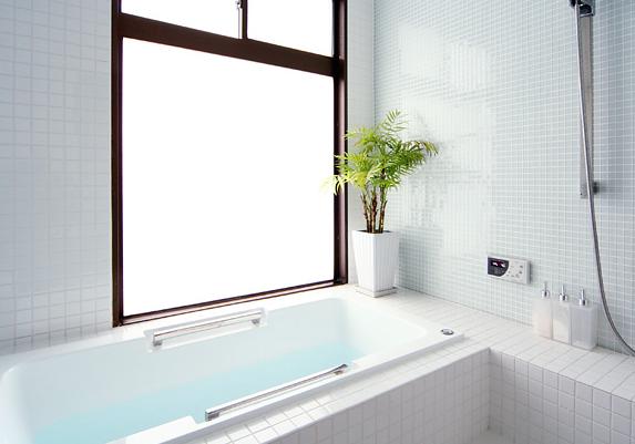 浴室の窓の大きさと位置