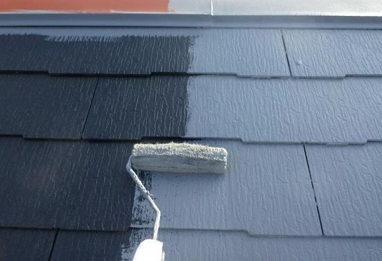 屋根材の塗装メンテナンス周期を比較
