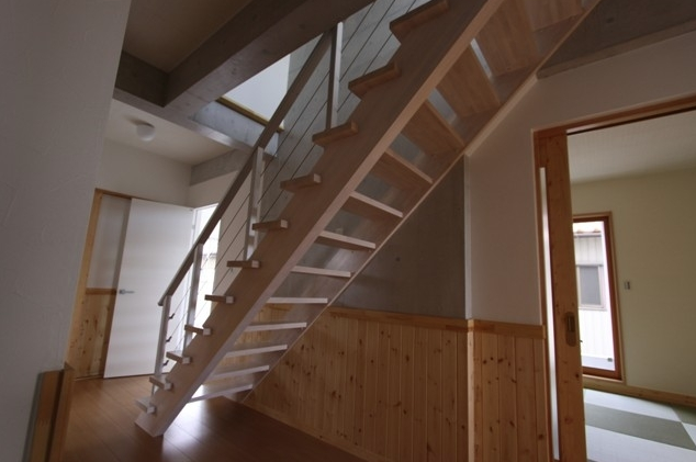 ささら桁階段(シースルー階段)の特徴
