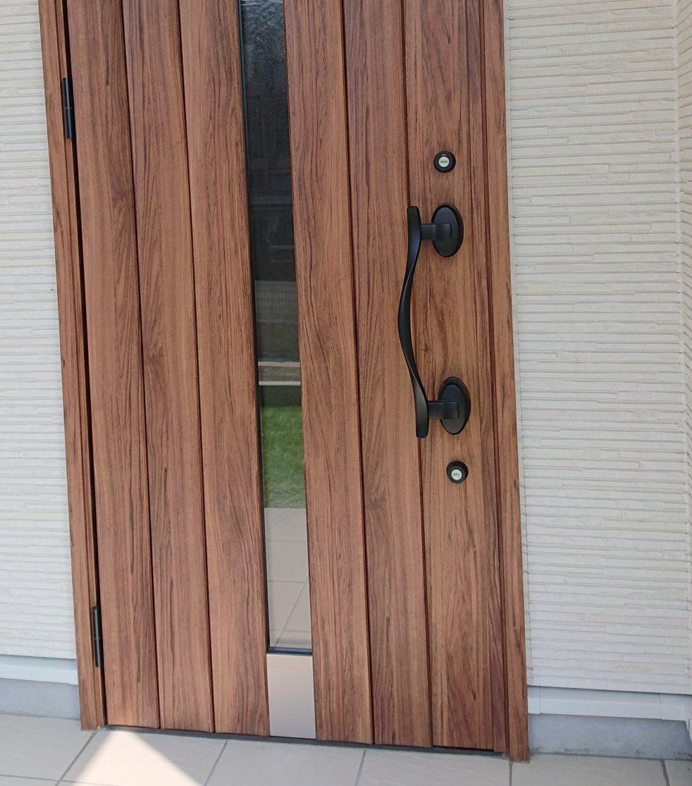 アイアン×ウッドのドア インテリアコーディネート