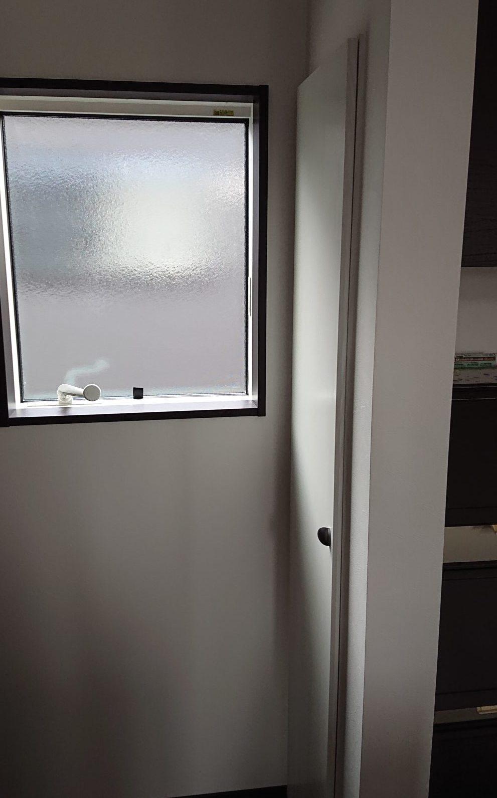 壁埋め込み収納 リビングの便利な収納