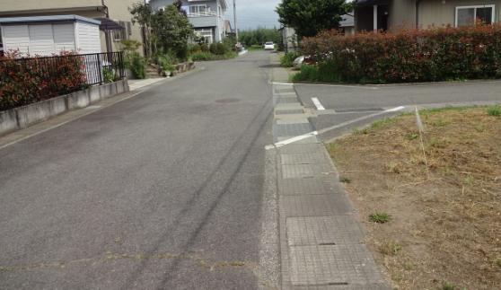 接する道路